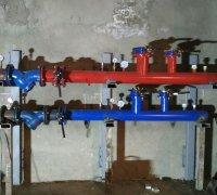 Cборка распределительного коллектора и установка его на крепления